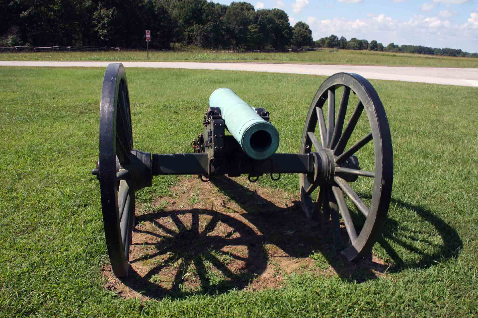 6-pounder bronze field guns, Model of 184, Reg # 192, click photo to enlarge.